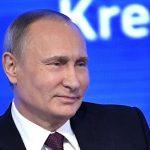РИА Новости: Путин пообещал спросившему про квас журналисту посетить Кировскую область
