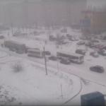 В Кирове снежный коллапс. Где дорожники?